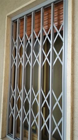 Quanto costano le inferriate - Inferriate porta finestra ...